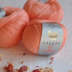 Gazzal  Моточная пряжа Silk&Cashmere  материал  кашемир+шелк цвет абрикос 453
