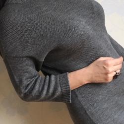 МК Платье оттенка графита из итальянского мериноса, свободного силуэта, рукав 3/4