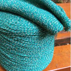 Fashion Mill Пряжа на бобинах Medoro материал хлопок цвет изумруд с ванильным и петроль