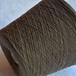 New Mill Пряжа на бобинах Mabot материал меринос цвет   табачный с лавандовыми вкраплениями