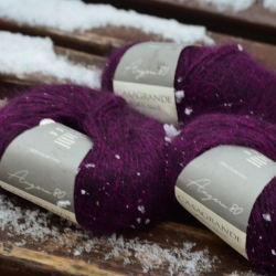 Casagrande Моточная пряжа Angora 80 материал ангора цвет фуксия на темном
