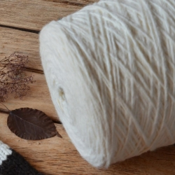 Pecci Filati Пряжа на бобинах Bellone материал альпака меринос цвет молочный
