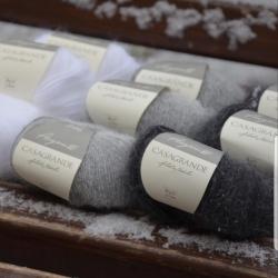 Casagrande Моточная пряжа Angora 80 материал ангора цвет натуральный серый
