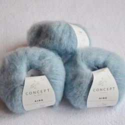Katia Моточная пряжа Aire материал  суперкидмохер+ бэби альпака цвет light  blue 121